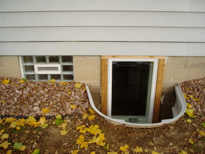 Egress Window – Vinyl Well